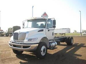 2017 International 4300 4x2, New Cab & Chassis