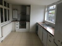 Beautiful 3 bed Banglow in Hainualt part dss welcome