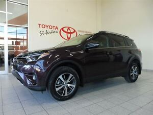 2016 Toyota RAV4 * AWD * XLE * TOIT OUVRANT * MAGS *