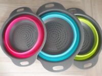 Collapsible Colander Set of 3 Silicone Kitchen Strainers with Plastic Handles - NEW -