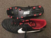 Size UK 7.5 Boys Black Football boots