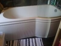 ****HUGE PRICE REDUCTION FOR QUICK SALE**** 3 piece bathroom set. Good Condition.