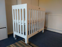 Baby cot Bloom Alma Mini Crib with mattress and fitted sheets