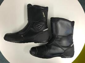 Motorcycle boots - size 9 price includes UK postage.