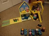 Peppa pig play sets / toys
