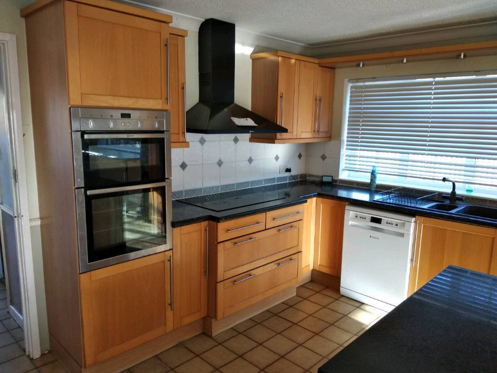 Kitchen Unit Doors Including Electric Hob And Extracter