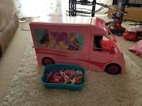 Indoor or outdoor Barbie camper van