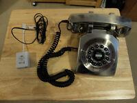 Retro themed telephone