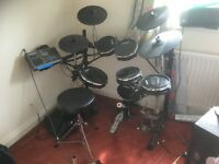 Alesis DM10 studio drum kit in very good condition.