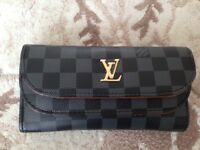 Ladies purse Louis Vuitton