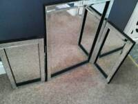 Ladies/girls vanity mirror, with side mirrors