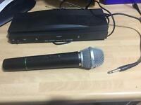 Wireless microphone comes with one mic