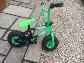Mini Rocker green hardly used