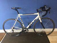 Fuji Rouboux 2.0 road bike