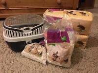 Hamster/Guinea pig carry case, Sawdust & bedding