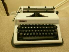 Vintage Retro Erika Robotron typewriter