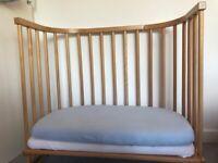 Babybay ( bedside cot)