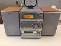 Sony CMT-CP100 CD, RADIO, CASSETTE Midi System