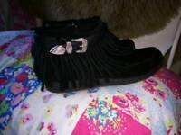 River Island boots 6