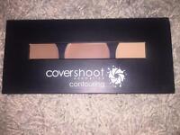 Women's covershoot contouring palette