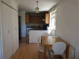 3 bedroom flat to rent just off Bethnal Green rd