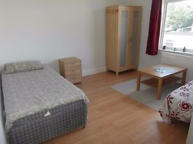 Studio flat in Kingsbury