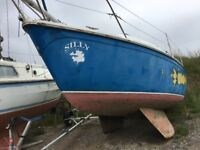 Bilge keel Yacht for sale as a project- very cheap as need gone. Will be great with time to do it up