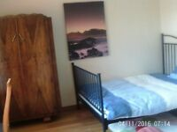 Spacious Double Bedroom in Shared House Off Mill Road
