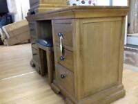 Oak Bedroom set in good condition