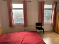 PRIVATE LANDLORD REFURBISHED AVAILABLE NOW LARGE 4 BEDROOM HOUSE 3 MINUTES WALK FROM ILFORD STATION-