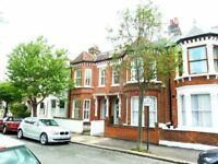 Spacious Bright First Floor 2 Bed Period Flat Ideal For Sharers Close To Common & Local Amenities