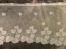 Cafe Curtain with leaf pattern white