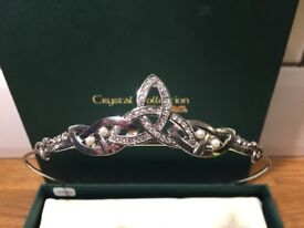 Rhodium-plated Crystal and Pearl Inset Bridal Tiara - One Size. Suitable for Communion/ Flowergirl