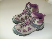 Hi-Tec junior walking boots size 4, hardly worn