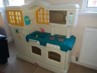 Little tikes childs play kitchen