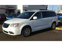 2015 Chrysler Town & Country Touring DVDs Back up camera