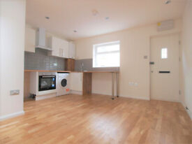 Large 2 bed in Holloway including the bills.