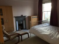 Large double room for rent in a recently refurbished house. Beautifully decorated throughout.