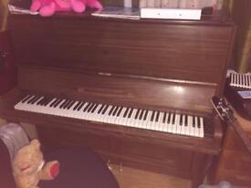 Piano- Free