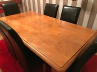 Solid pine Dining Table With 6 Brown Leather Chairs
