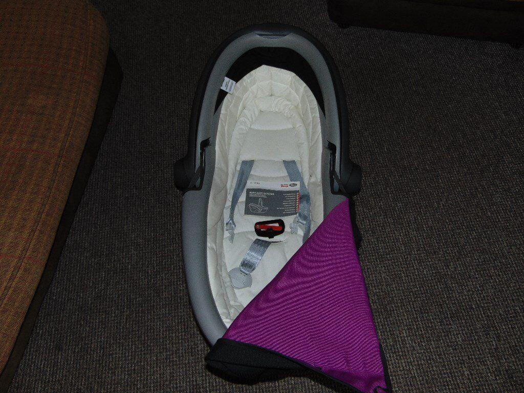 Britax Baby-Safe sleeper lie flat car seat 0-10kg