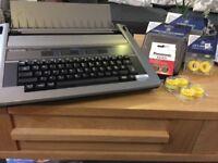 Panasonic R190 electric typewriter & accessories