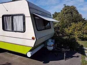 Viscount Grand Tourer 18ft rare Triple bunk tandem axle caravan Highton Geelong City Preview
