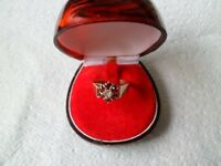 ladies 9ct gold and diamond and garnets ring