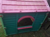 Childs outdoor play house