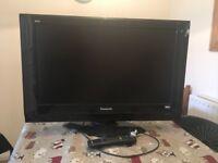 32inch Panasonic LCD TV & remote