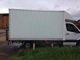 Luton van box with tile left, Mercedes sprinrer van box