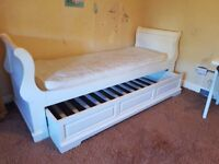 Antique Style White French Sleigh Day Bed / Trundle Bed Solid Wood