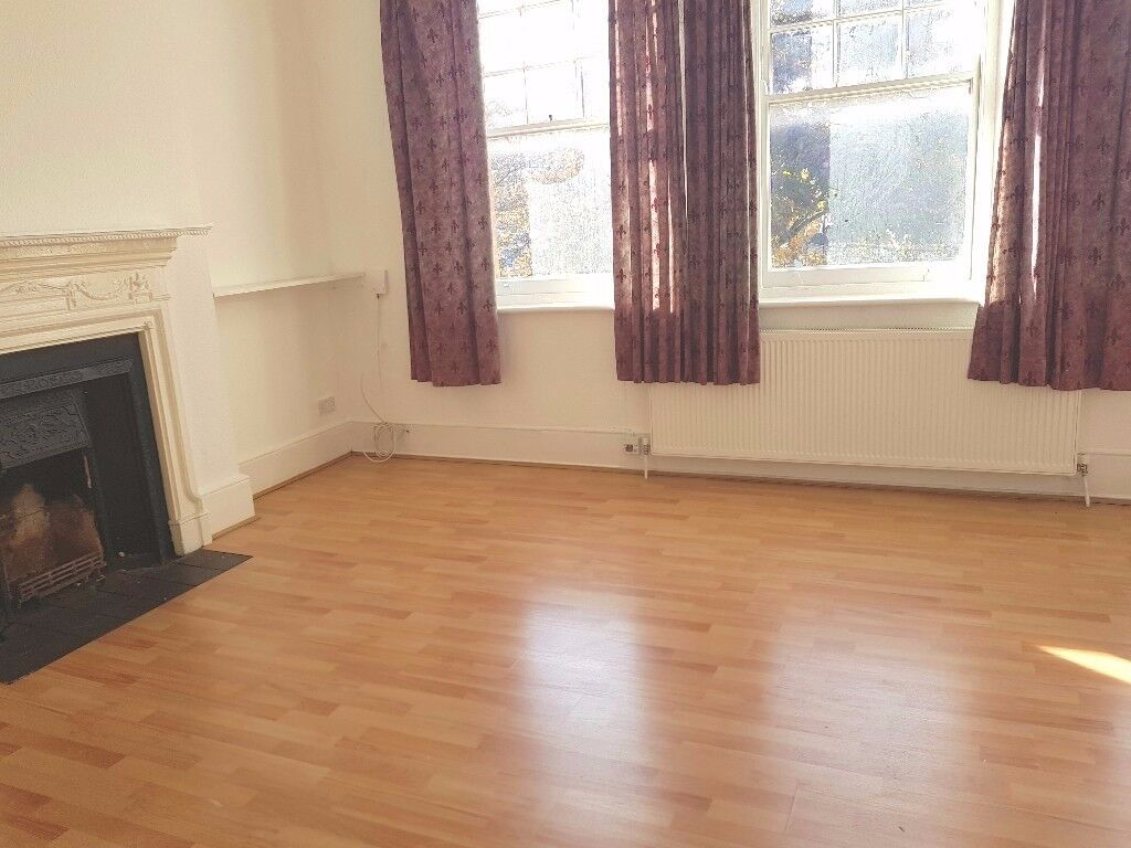 Crouch End, N8 7EE-Great Newly Decorated 2 Bed First Floor Flat-Excellent Value!
