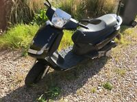 Peugeot vivacity 3 124 cc moped